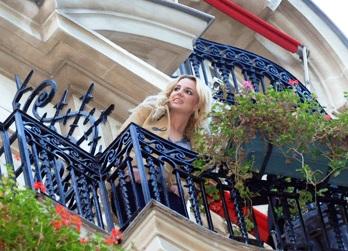Britneyspearbalcon