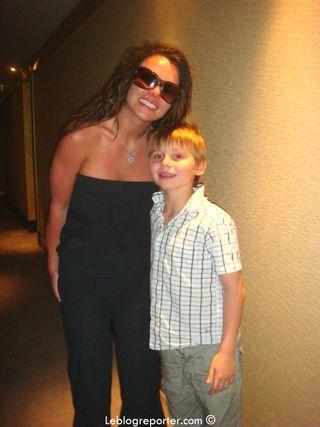 Britney_Spears_Paris__avec_Quentin[1]