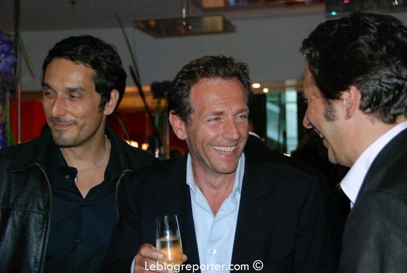 Vincent_Elbaz-_Stephane_Freiss_et_Laurent_Gerra_a_l-inauguration_du_Renaissanc_-Large-[1]