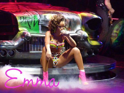 Rihanna04