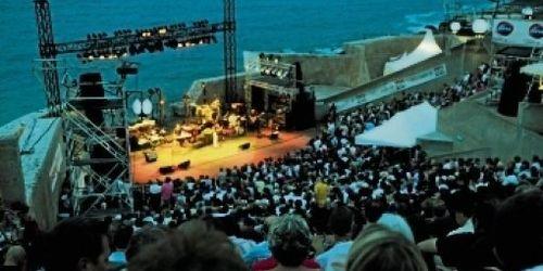 BlogdesFestivals-theatre-de-la-mer-FiestaSete 2012