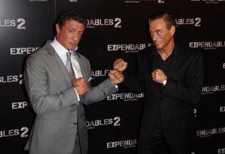 Sylvester-Stallone-et-Jean-Claude-Van-Damme-a-l-avant-premiere-Expendables-2-au-Grand-Rex-a-Paris-