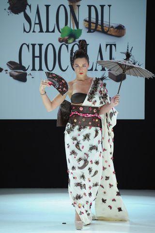 Salon du chocolat 2012- Natacha st pierre défile_Leblogreporter