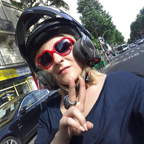 Marylou-Berry-Touchepasamon poste-Joséphine_Leblogreporter